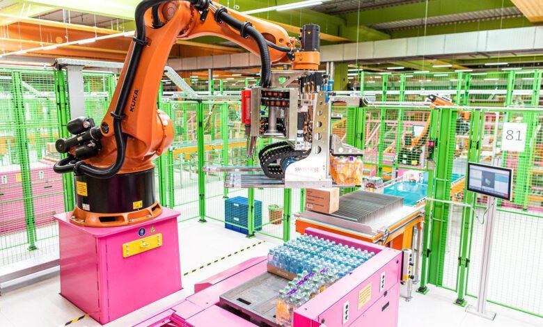 Bild von dm kommissioniert vollautomatisch mit Swisslog