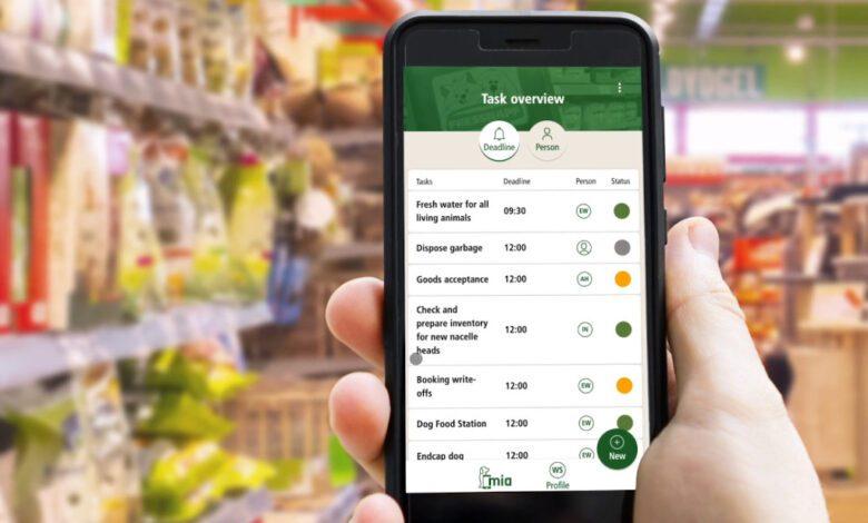 Mit der nutzerfreundlichen App `MIA´ organisieren Fressnapf-Mitarbeiter ihre Aufgaben am POS papierlos. (Foto: ECX)