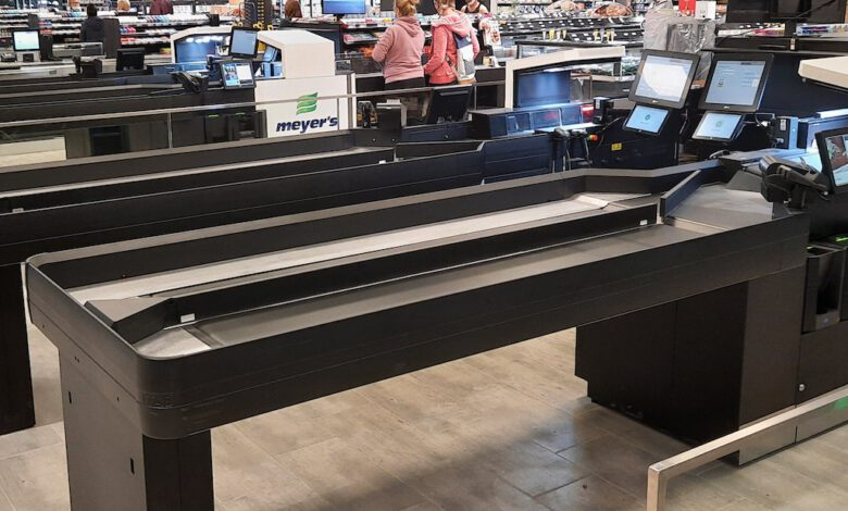 Photo of Independent Edeka shop owner automates scanning at the checkout with Itab