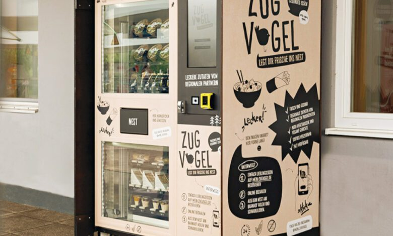 Deutsche Bahn tests a special convenience product vending machine from Glory at commuter stations. (Photo: DB AG / Polkehn)