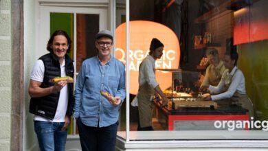 Die Organic-Garden-Gründer Martin Wild (links) und Holger Stromberg schreiben die Transparenz ihrer Lieferkette ganz groß. (Foto: Julian Kestermann)