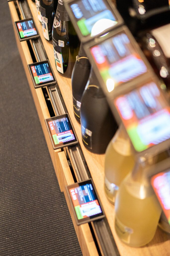 The use of the innovative displays is financed by brand manufacturers and distributors. (Photo: Vivid Tech)